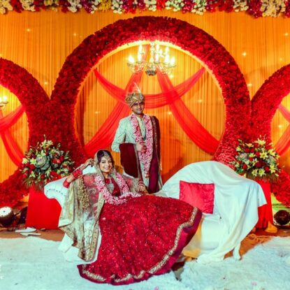 splendid-wedding-held-in-delhi-with-colourful-mehndi-decor-34
